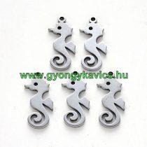 Ezüst Színű Nemesacél Csikóhal Medál 17,5x7,5mm